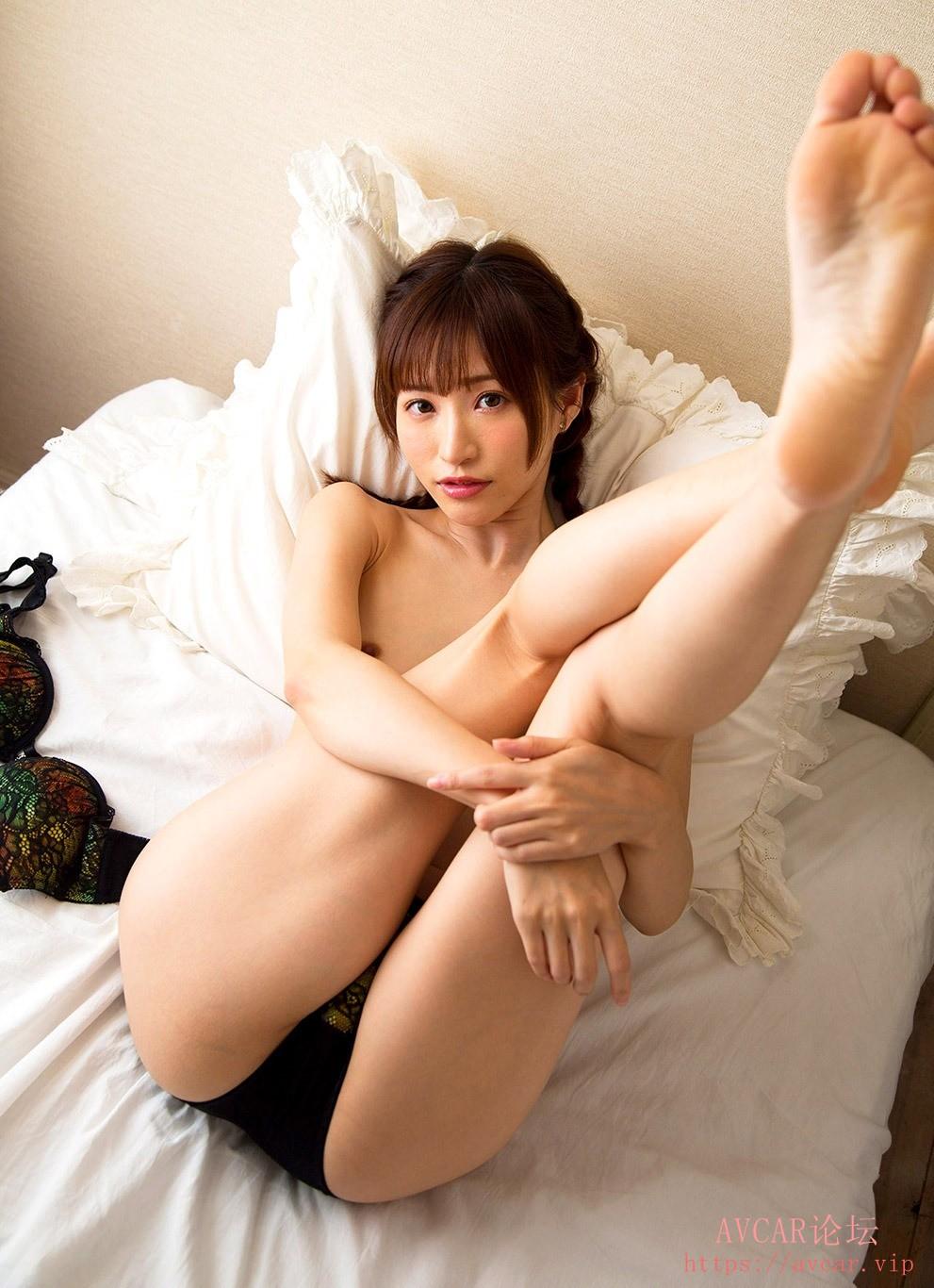 moe-amatsuka-9.jpg